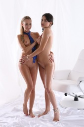 Foxie, Francesca DiCaprio fisting first time