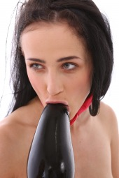 Nicol Love, Vinna Reed fisting first time
