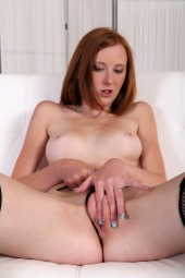 Linda Sweet fisting first time